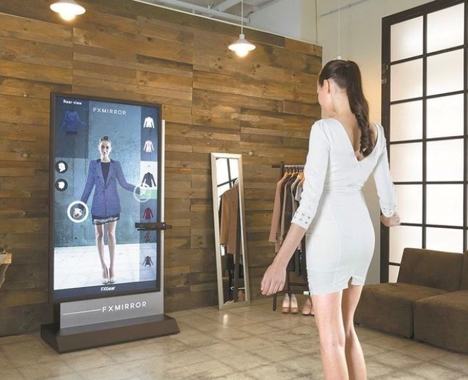 Chanel augmented reality customer experience (Source: CurrentDaily)